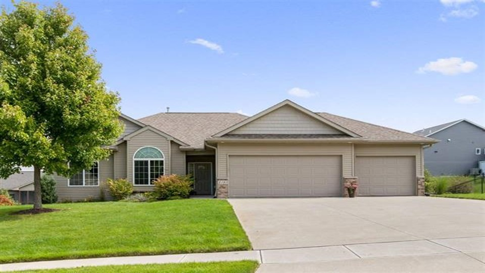 Liz Firmstone Realtor Home for Sale East Side Iowa City Iowa!